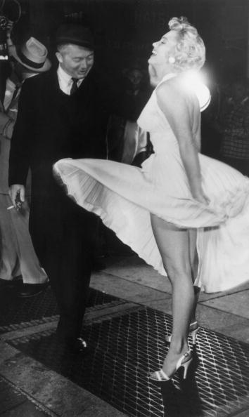 Marilyn Monro di lokasi syuting 'The Seven Year Itch' di Times Square, New York City, saat gaun putihnya tersingkap angin